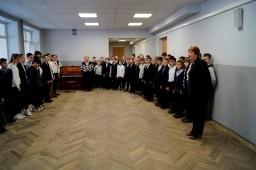 "11 апреля. Школьная выставка""Папе-на фронт"" 7 А класс"